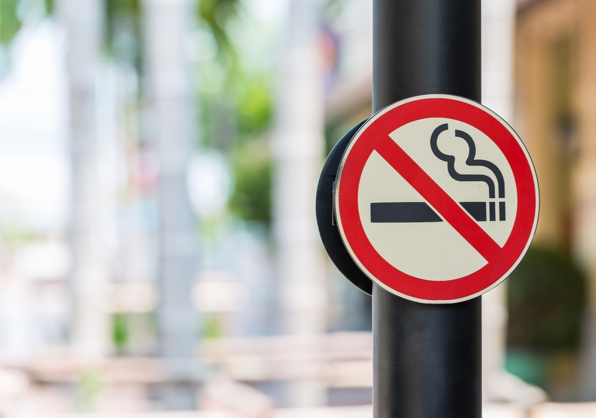 Qld election: Health bodies push to stamp out second-hand smoke in CBDs, unit blocks