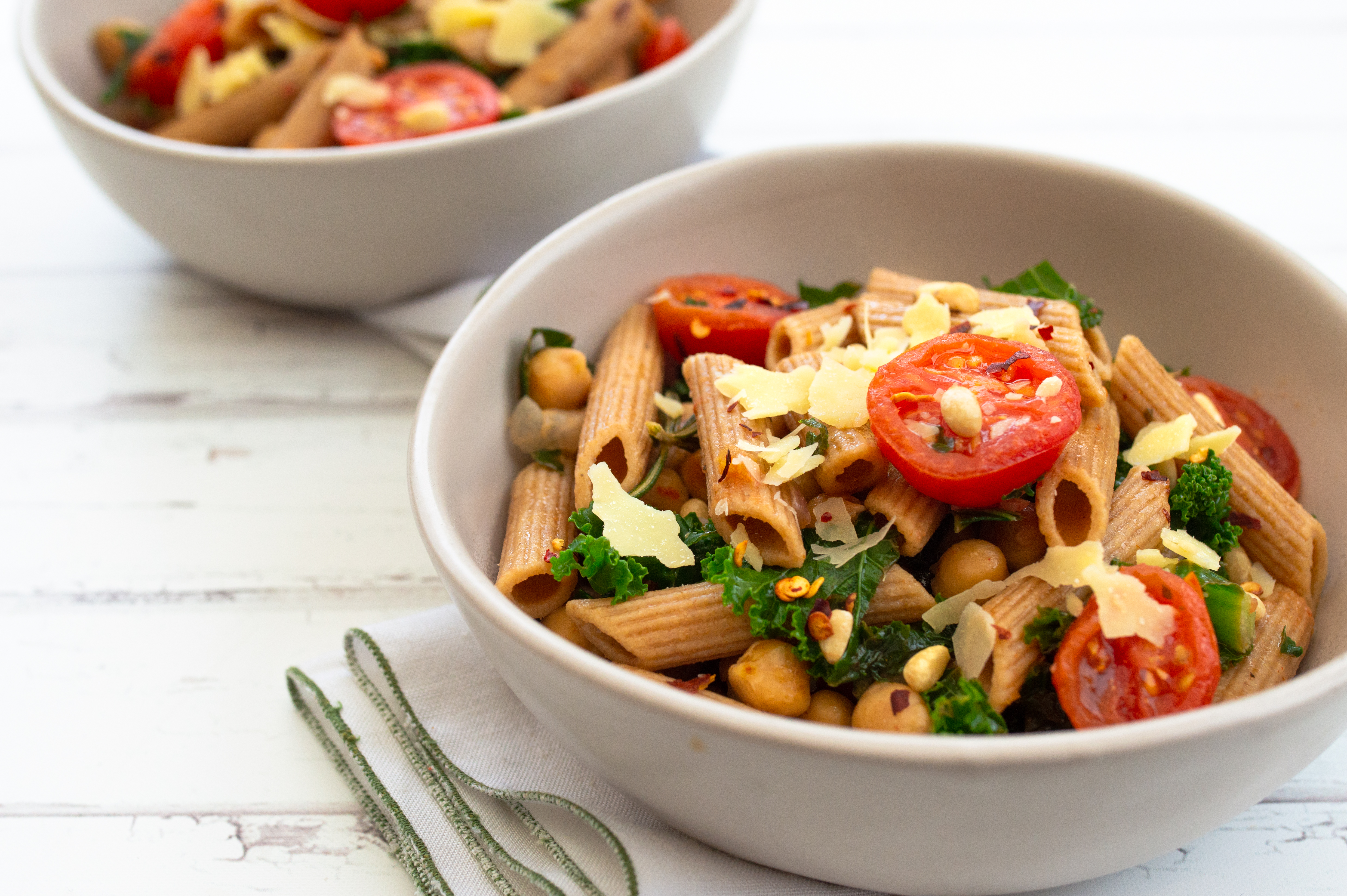 Vegetarian pasta with chickpeas & kale
