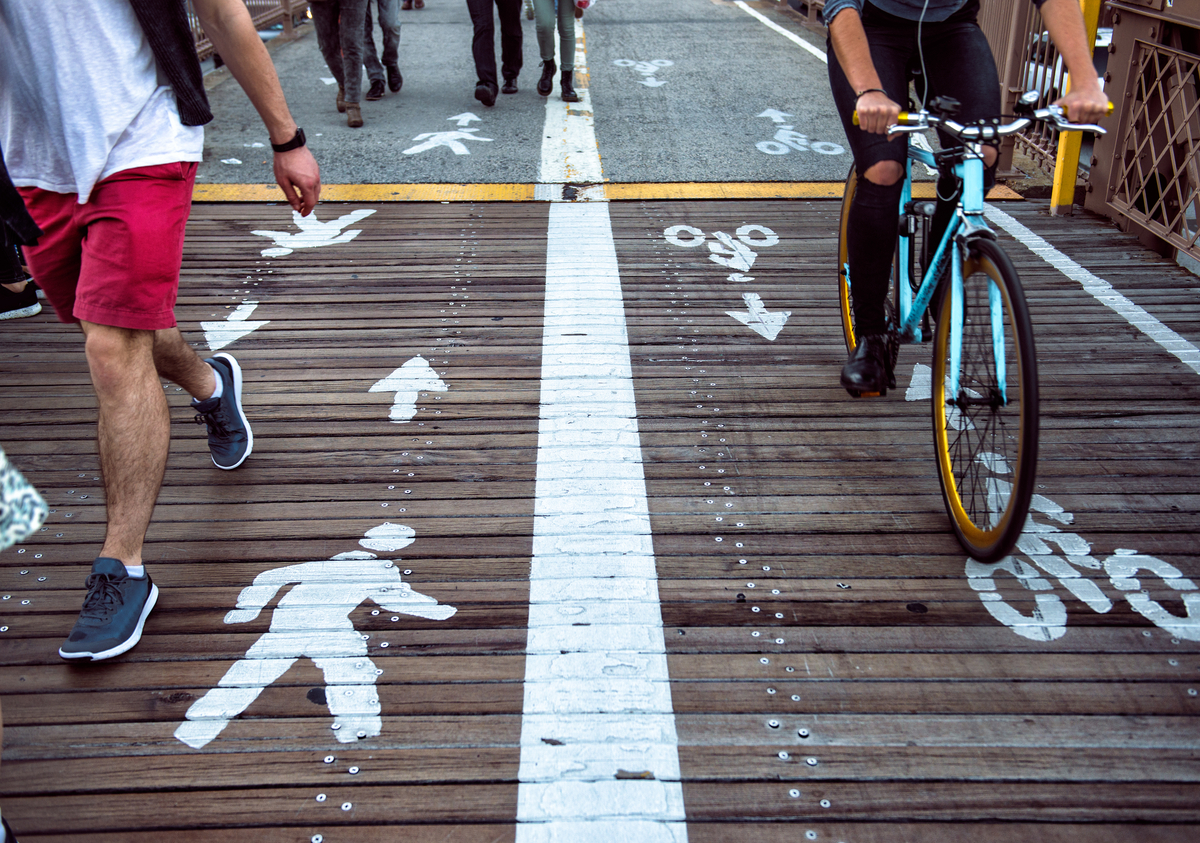 Gov urged to make walking, bike riding easier as more Victorians return to the workplace
