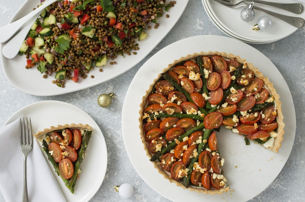 Green and red open tart with lentil salad