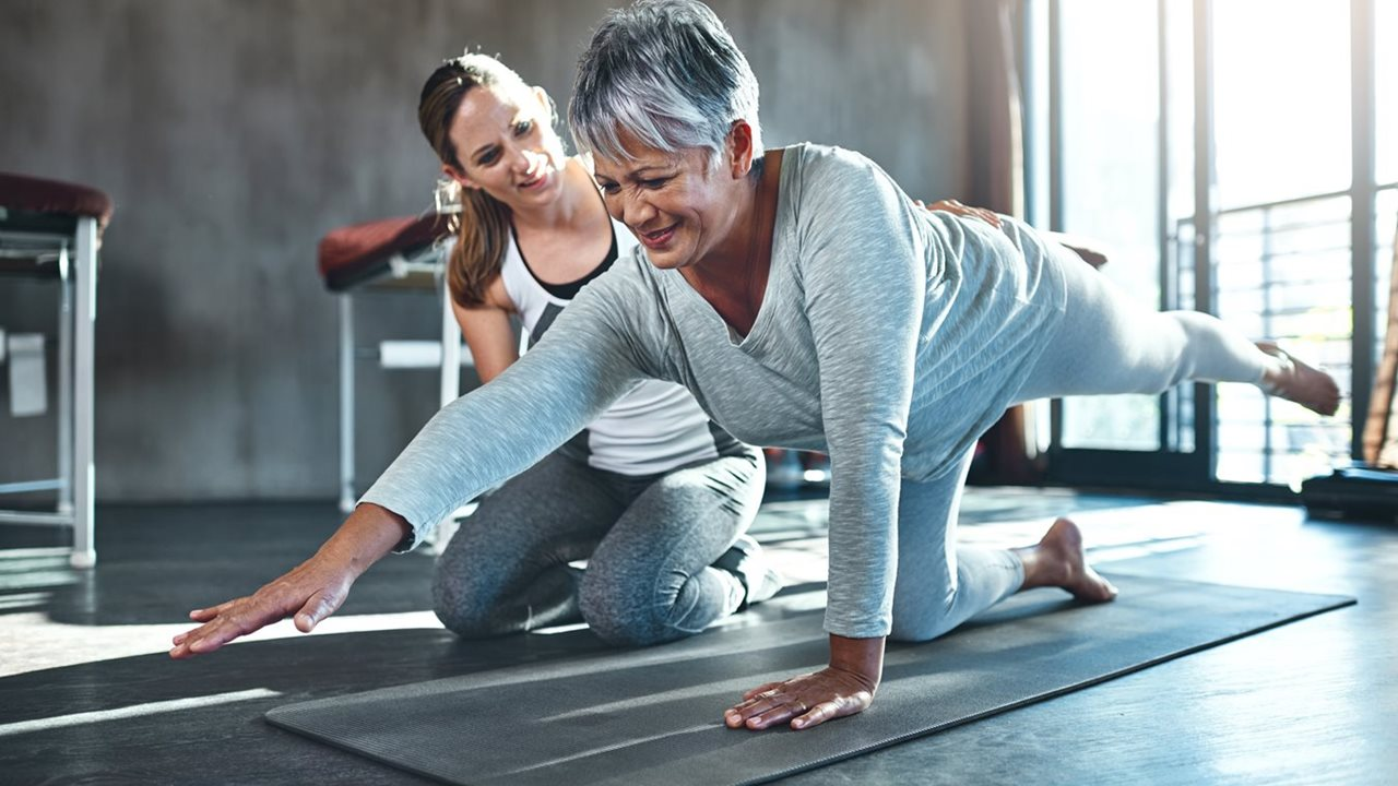 Exercise training in people with implanted mechanical pumps to support heart function